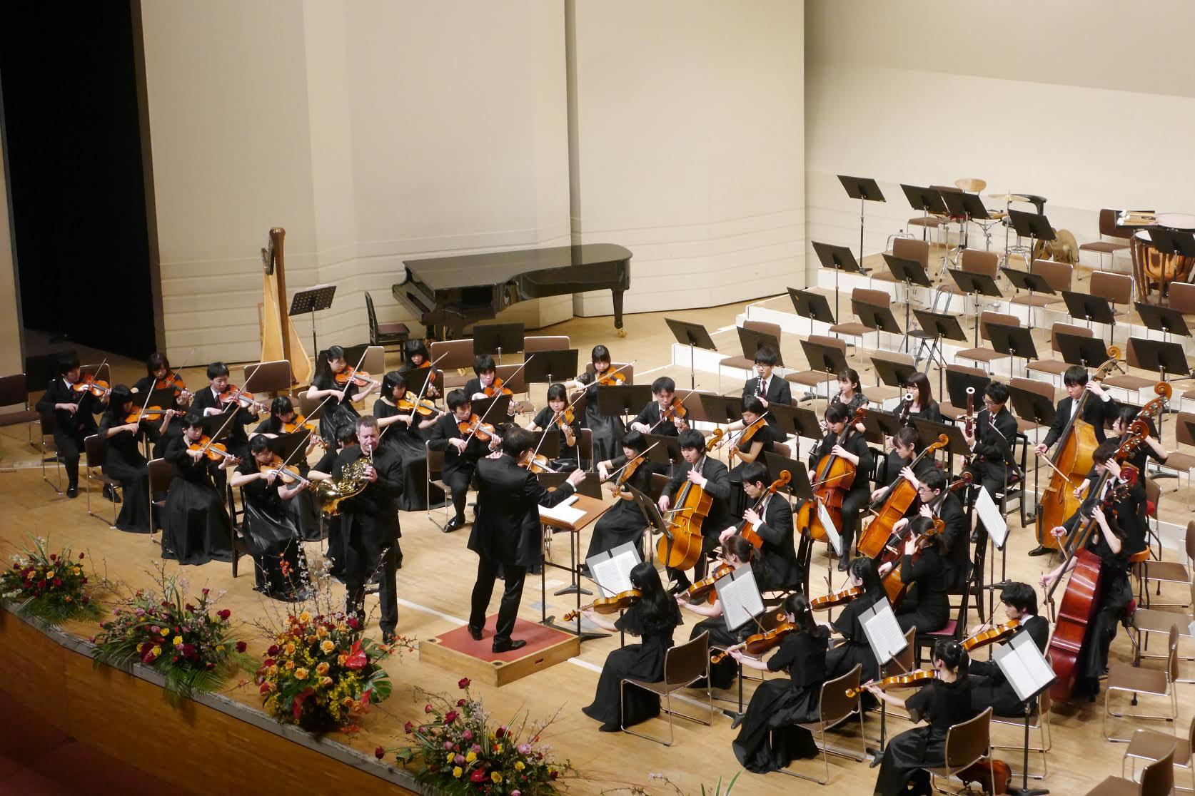 ドール氏とモーツァルト「ホルン協奏曲第3番」の共演